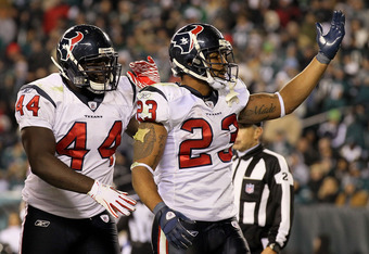 PHILADELPHIA, PA - DECEMBER 02:  Arian Foster #23 and Vonta Leach #44 of the Houston Texans celebrate after Foster scored on a 14-yard touchdown reception in the third quarter against the Philadelphia Eagles at Lincoln Financial Field on December 2, 2010
