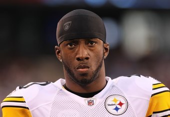 EAST RUTHERFORD, NJ - AUGUST 21:  Crezdon Butler #40 of the Pittsburgh Steelers against the New York Giants during their preseason game at New Meadowlands Stadium on August 21, 2010 in East Rutherford, New Jersey.  (Photo by Nick Laham/Getty Images)