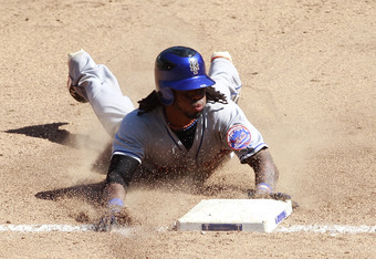 Jose Reyes leads the NL in batting average