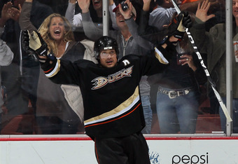 ANAHEIM, CA - APRIL 06:  Teemu Selanne #8 of the Anaheim Ducks celebrates his second period goal against the San Jose Sharks at Honda Center on April 6, 2011 in Anaheim, California.  (Photo by Jeff Gross/Getty Images)