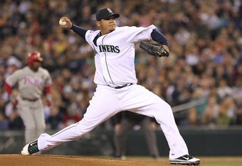 SEATTLE - JUNE 18:  Starting pitcher Felix Hernandez #34 of the Seattle Mariners pitches against the Philadelphia Phillies at Safeco Field on June 18, 2011 in Seattle, Washington. (Photo by Otto Greule Jr/Getty Images)