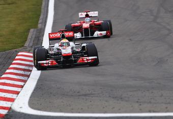 Hamilton leads Alonso