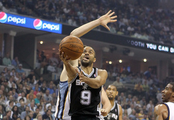 MEMPHIS, TN - APRIL 25:  Tony Parker #9 of the San Antonio Spurs shoots the ball during the game against the Memphis Grizzlies in Game Four of the Western Conference Quarterfinals in the 2011 NBA Playoffs at FedExForum on April 25, 2011 in Memphis, Tennes