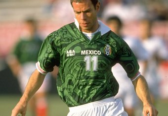 19 Jan 1997:  Luis Roberto Alves Zague of Mexico in action during the match  against the USA at the Pasadena Rose Bowl in Los Angeles, California. Mexico won 2-0.    \ Mandatory Credit: Allsport UK /Allsport