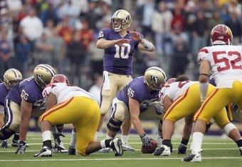 UW quarterback Jake Locker directs the offense