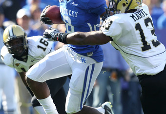 LB Chris Marve will have to lead Vanderbilt's defense again in 2011