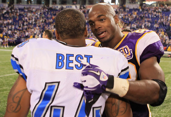 MINNEAPOLIS - SEPTEMBER 26:  Running back Jahvid Best #44 of the Detroit Lions and running back Adrian Peterson #28 of the Minnesota Vikings talk at the conclusion of the game at Hubert H. Humphrey Metrodome on September 26, 2010 in Minneapolis, Minnesota