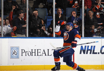 UNIONDALE, NY - NOVEMBER 24: Trent Hunter #7 of the New York Islanders scores at 10:16 oif the first period against the Columbus Blue Jackets  at the Nassau Coliseum on November 24, 2010 in Uniondale, New York.  (Photo by Bruce Bennett/Getty Images)
