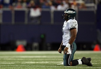 EAST RUTHERFORD, NJ - SEPTEMBER 30:  Donovan McNabb #5 of the Philadelphia Eagles looks on after getting sacked by the New York Giants at Giants Stadium on September 30, 2007 in East Rutherford, New Jersey.  (Photo by Nick Laham/Getty Images)