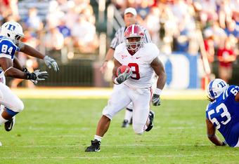 DURHAM, NC - SEPTEMBER 18: Trent Richardson #3 of the Alabama Crimson Tide runs through a huge hole for a 45-yard touchdown during third quarter action against the Duke Blue Devils at Wallace Wade Stadium on September 18, 2010 in Durham, North Carolina.