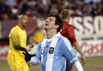 EAST RUTHERFORD, NJ - MARCH 26:  Lionel Messi #10 of Argentina reacts after a failed scoring attempt during the first half of a friendly match against the United States at New Meadowlands Stadium on March 26, 2011 in East Rutherford, New Jersey.  (Photo b