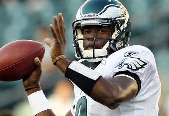 PHILADELPHIA, PA - AUGUST 11:  Vince Young #9 of the Philadelphia Eagles warms up before playing against the Baltimore Ravens during their pre season game on August 11, 2011 at Lincoln Financial Field in Philadelphia, Pennsylvania.  (Photo by Jim McIsaac/