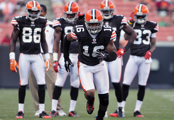 CLEVELAND, OH - AUGUST 19:  Wide receiver Josh Cribbs #16 of the Cleveland Browns warms up prior to the game between the Cleveland Browns and the Detroit Lions at Cleveland Browns Stadium on August 19, 2011 in Cleveland, Ohio. (Photo by Jason Miller/Getty Images)