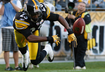 PITTSBURGH - NOVEMBER 21: Keenan Lewis #23 of the Pittsburgh Steelers goes airborne while attempting to hit a ball out of the endzone during a kickoff against the Oakland Raiders during the game on November 21, 2010 at Heinz Field in Pittsburgh, Pennsylvania.  (Photo by Jared Wickerham/Getty Images)