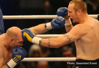 Helenius is gaining the ability to control distance and use his size advantageously. Photo: Sauerland Event Photography
