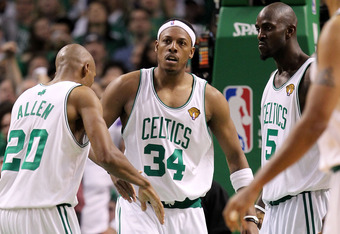 BOSTON - JUNE 10:  (L-R) Ray Allen #20, Paul Pierce #34 and Kevin Garnett #5 of the Boston Celltics react against the Los Angeles Lakers during Game Four of the 2010 NBA Finals on June 10, 2010 at TD Garden in Boston, Massachusetts. NOTE TO USER: User expressly acknowledges and agrees that, by downloading and/or using this Photograph, user is consenting to the terms and conditions of the Getty Images License Agreement.  (Photo by Ronald Martinez/Getty Images)