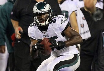 PHILADELPHIA, PA - AUGUST 25:  LeSean McCoy #25 of the Philadelphia Eagles in action against the Cleveland Browns during their pre season game on August 25, 2011 at Lincoln Financial Field in Philadelphia, Pennsylvania.  (Photo by Jim McIsaac/Getty Images)