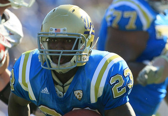 PASADENA, CA - OCTOBER 02:  Running back Johnathan Franklin #23 of the UCLA Bruins carries the ball against the Washington State Cougars during the game at the Rose Bowl on October 2, 2010 in Pasadena, California.  (Photo by Jeff Gross/Getty Images)