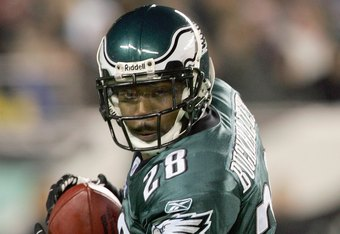 PHILADELPHIA - DECEMBER 4:  Correll Buckhalter #28 of the Philadelphia Eagles carries the ball during the game against the Carolina Panthers at Lincoln Financial Field on December 4, 2006 in Philadelphia, Pennsylvania. (Photo by Jim McIsaac/Getty Images)
