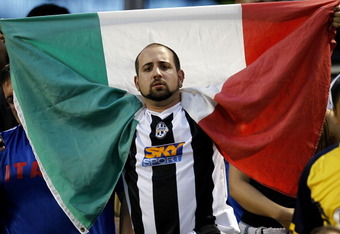 NEW YORK - JULY 26:  A fan of Juventus FC shows his support during an exhibition match against Club America on July 26, 2011 at Citi Field in the Flushing neighborhood of the Queens borough of New York City.  (Photo by Jeff Zelevansky/Getty Images)