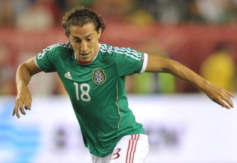 PHILADELPHIA, PA- AUGUST 10: Andres Guardado #18 of Mexico plays the ball during the game against  at Lincoln Financial Field on August 10, 2011 in Philadelphia, Pennsylvania. (Photo by Drew Hallowell/Getty Images)
