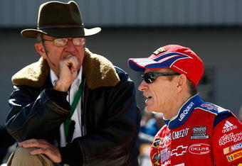 BRISTOL, TN - MARCH 20: Team owner Jack Roush and Mark Martin, driver of the #5 Kellogg's/CARQUEST Chevrolet talk during qualifying for the NASCAR Sprint Cup Series Food City 500 at Bristol Motor Speedway on March 20, 2009 in Bristol, Tennessee.  (Photo b