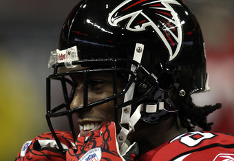 ATLANTA, GA - JANUARY 15:  Roddy White #84 of the Atlanta Falcons smiles during warm ups against the Green Bay Packers during their 2011 NFC divisional playoff game at Georgia Dome on January 15, 2011 in Atlanta, Georgia.  (Photo by Streeter Lecka/Getty I