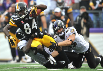 BALTIMORE, MD - SEPTEMBER 11:  Antonio Brown #84 of the Pittsburgh Steelers runs the ball against the Baltimore Ravens at M&T Bank Stadium on September 11, 2011 in Baltimore, Maryland. The Ravens defeated the Steelers 35-7. (Photo by Larry French/Getty Im
