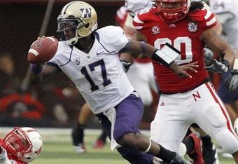 Quarterback Keith Price escapes pressure