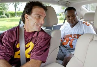 Doug Flutie and Barry Sanders in Heisman House episode