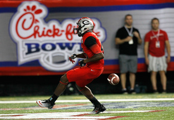 ATLANTA, GA - SEPTEMBER 03:  Malcolm Mitchell #26 of the Georgia Bulldogs scores a touchdown against the Boise State Broncos at Georgia Dome on September 3, 2011 in Atlanta, Georgia.  (Photo by Kevin C. Cox/Getty Images)