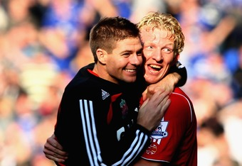 LIVERPOOL, UNITED KINGDOM - OCTOBER 20:  Dirk Kuyt of Liverpool celebrates at the final whistle with Steven Gerrard during the Barclays Premier League match between Everton and Liverpool  at Goodison Park on October 20, 2007 in Liverpool, England.  (Photo