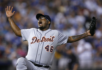 KANSAS CITY, MO - AUGUST 05:  Relief pitcher Jose Valverde #46 of the Detroit Tigers celebrate after they beat the Kansas City Royals 4-3 in 10 innings at Kauffman Stadium on August 5, 2011 in Kansas City, Missouri.  (Photo by Ed Zurga/Getty Images)