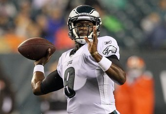 PHILADELPHIA, PA - AUGUST 25:  Vince Young #9 of the Philadelphia Eagles in action against the Cleveland Browns during their pre season game on August 25, 2011 at Lincoln Financial Field in Philadelphia, Pennsylvania.  (Photo by Jim McIsaac/Getty Images)