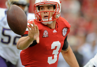 LINCOLN, NE - SEPTEMBER 17: Taylor Martinez #3 of the Nebraska Cornhuskers pitches the ball to his runnigback during their game against the Washington Huskies at Memorial Stadium September 17, 2011 in Lincoln, Nebraska. Nebraska won 51-38.(Photo by Eric F