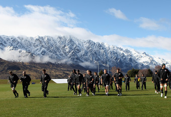 QUEENSTOWN, NEW ZEALAND - SEPTEMBER 15:  The England team take to the pitch during an England IRB Rugby World Cup 2011 training session at Queenstown Events Centre on September 15, 2011 in Queenstown, New Zealand.  (Photo by David Rogers/Getty Images)