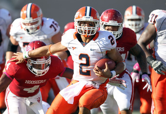 BLOOMINGTON, IN - OCTOBER 08:  Nathan Scheelhaase #2 of the Illinois Illini runs with the ball during the game against the Indiana Hoosiers at Memorial Stadium on October 8, 2011 in Bloomington, Indiana.  Illinois won 41-20.  (Photo by Andy Lyons/Getty Im