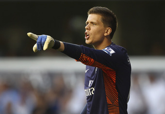 LONDON, ENGLAND - OCTOBER 02:  Wojciech Szczesny of Arsenal directs his defence during the Barclays Premier League match between Tottenham Hotspur and Arsenal at White Hart Lane on October 2, 2011 in London, England.  (Photo by Julian Finney/Getty Images)