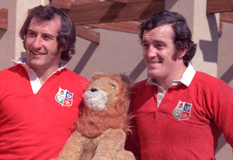 Welsh Lions: Gareth Edwards (left) and Phil Bennett never had the chance to win a World Cup