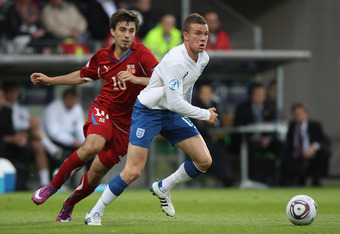VIBORG, DENMARK - JUNE 19:  Thomas Cleverley (R) of England tracked by Jan Moravek (L) during the UEFA European Under-21 Championship Group B match between England and Czech Republic at the Viborg Stadium on June 19, 2011 in Viborg, Denmark.  (Photo by Mi