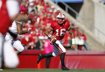 MADISON, WI - OCTOBER 15: Russell Wilson #16 of the Wisconsin Badgers looks to pass against the Indiana Hoosiers at Camp Randall Stadium on October 15, 2011 in Madison, Wisconsin. The Badgers won 59-7. (Photo by Joe Robbins/Getty Images)