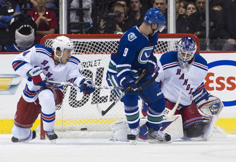 Rangers' G Henrik Lundqvist makes one of his 40 saves on the night