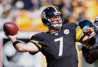 PITTSBURGH, PA - OCTOBER 16:  Ben Roethlisberger #7 of the Pittsburgh Steelers throws a second quarter pass while playing the Jacksonville Jaguars at Heinz Field on October 16, 2011 in Pittsburgh, Pennsylvania.  (Photo by Gregory Shamus/Getty Images)