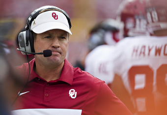 DALLAS, TX - OCTOBER 8:   Head Coach Bob Stoops of the Oklahoma Sooners on the sidelines during a game against the Texas Longhorns at the Cotton Bowl on October 8, 2011 in Dallas, Texas.  The Sooners defeated the Longhorns 55 to 17.  (Photo by Wesley Hitt