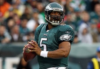 PHILADELPHIA - NOVEMBER 01:  Donovan McNabb #5 of the Philadelphia Eagles looks to throw a pass against the New York Giants on November 1, 2009 at Lincoln Financial Field in Philadelphia, Pennsylvania. The Eagles defeated the Giants 40-17.  (Photo by Jim