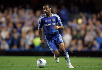 LONDON, ENGLAND - OCTOBER 15: Ashley Cole of Chelsea in action during the Barclays Premier League match between Chelsea and Everton at Stamford Bridge on October 15, 2011 in London, England.  (Photo by Paul Gilham/Getty Images)