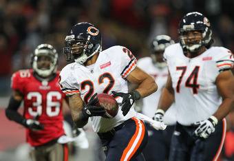 LONDON, ENGLAND - OCTOBER 23:  Matt Forte #22 of the Chicago Bears scores a touchdown during the NFL International Series match between Chicago Bears and Tampa Bay Buccaneers at Wembley Stadium on October 23, 2011 in London, England. This is the fifth occ