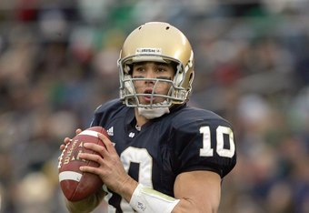 SOUTH BEND, IN - NOVEMBER 4:  Quarterback Brady Quinn #10 of the Notre Dame Fighting Irish looks to pass the ball during the game against the North Carolina Tar Heels on November 4, 2006 at Notre Dame Stadium in South Bend, Indiana. (Photo by Jonathan Dan
