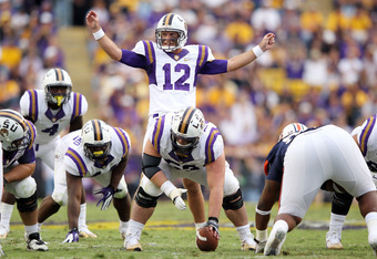 Jarrett Lee gets the LSU offense set against Auburn