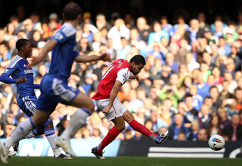 LONDON, ENGLAND - OCTOBER 29:  Andre Santos of Arsenal scores Arsenal's second goal during the Barclays Premier League match between Chelsea and Arsenal at Stamford Bridge on October 29, 2011 in London, England.  (Photo by Ian Walton/Getty Images)